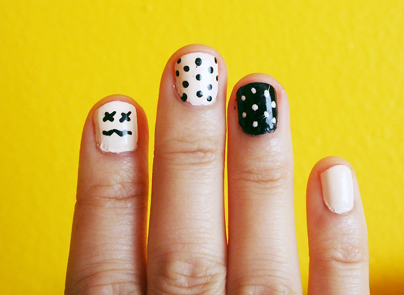 blakck white nail 2
