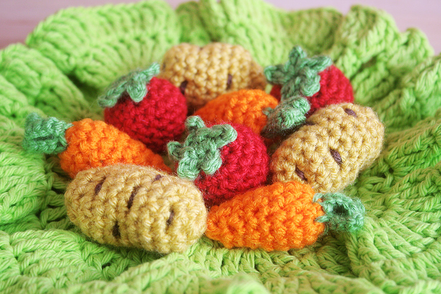Crochet Patterns Michaels : Free Crochet Pattern at Michaels.com: Turkey Tissue Box Cozy with ...