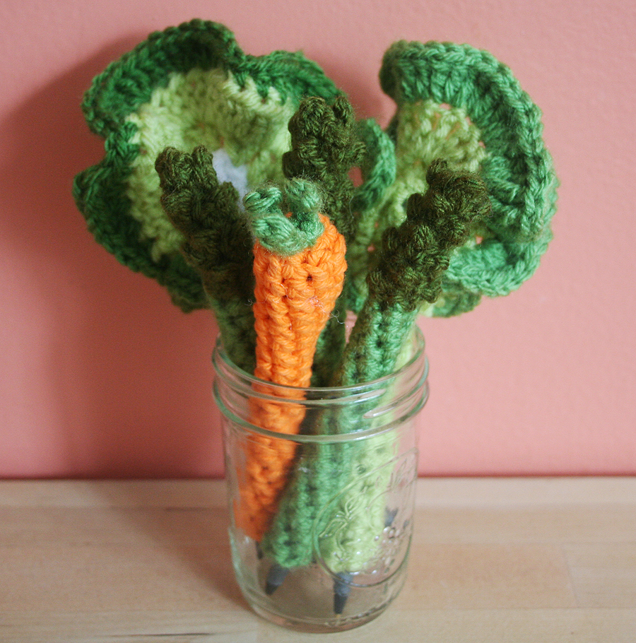 Crochet Patterns Vegetables Free : Free Crochet Pattern: Veggie Pen Cozies (Asparagus, Carrot, and ...