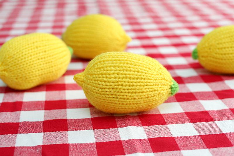Lemonballknit