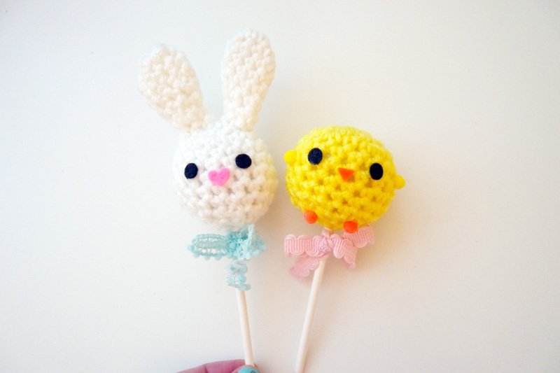 Free Crochet Pattern And Video Easter Bunny And Chick Cake Pops