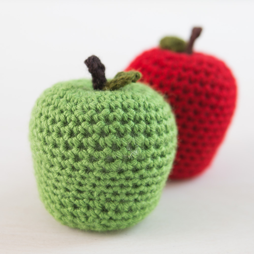 lionbrand_fruitveggie_1000x1000_apple