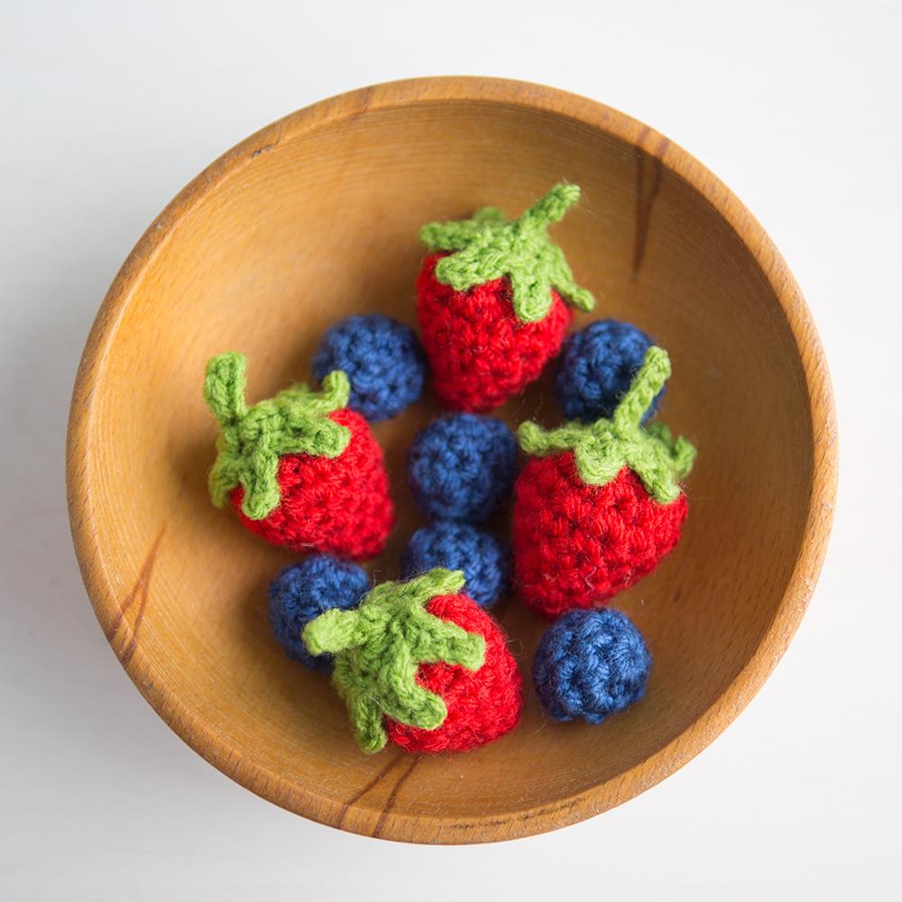 lionbrand_fruitveggie_1000x1000_berries