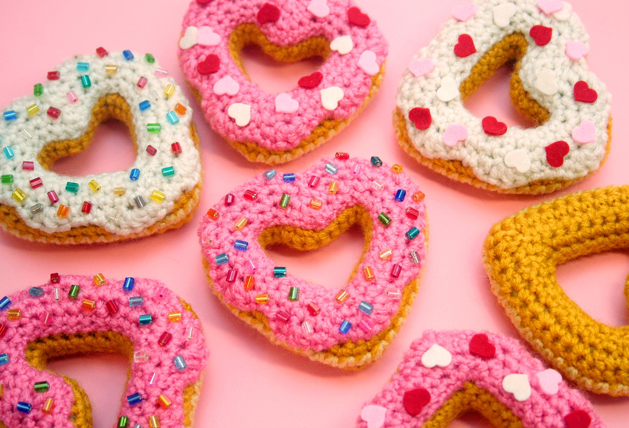 Details about  /BE/_ JW/_ JF/_ KQ/_ JS/_ BL/_ JI/_ Women Heart Donut Shaped Bun Wraps Hair Clip Set Hai